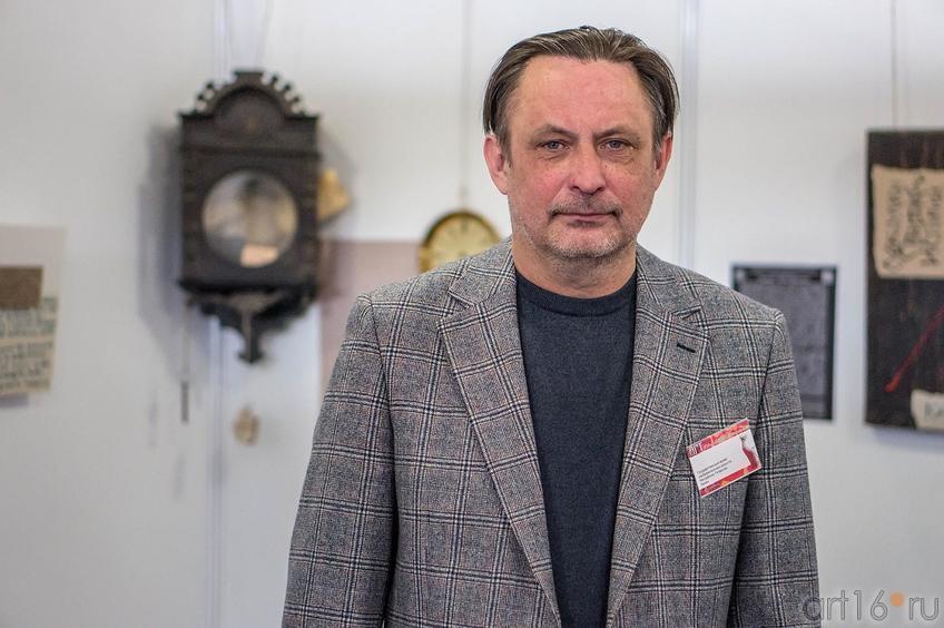 Александр Артамонов на «Арт-галерее. Казань — 2013»::Арт-галерея 2013 на Казанской ярмарке