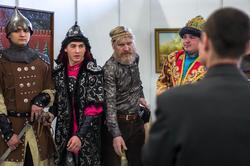 И добры молодцы, и седовласые старцы на «Арт-галерее. Казань — 2013»