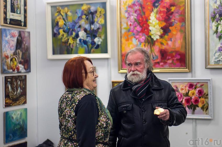 Фото №140127. Э. Бусова на «Арт-галерее. Казань 2013»