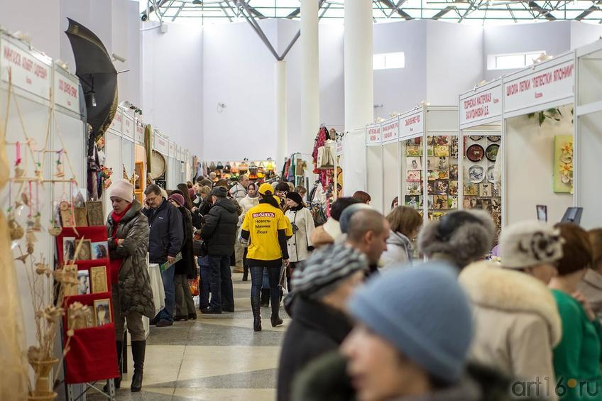 Фото №140187. В первом павильоне. «Арт-галерея. Казань —2013», 21 февраля