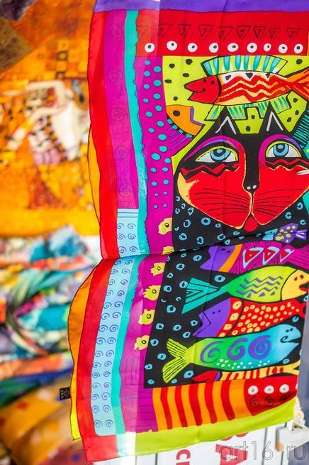 Платки на «Арт-галерее.  Казань —2013»::Арт-галерея 2013 на Казанской ярмарке