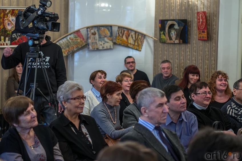 Фото №141934. Вечер поэзии нонсенса в Доме Аксенова, 2 марта 2013