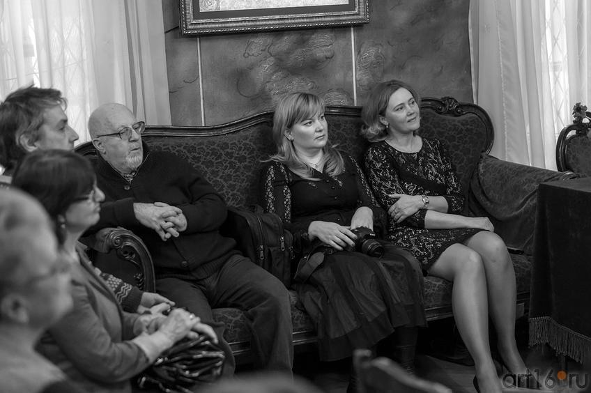 Фото №142699. На творческом вечере Наили Ахуновой «Заметки на веере»