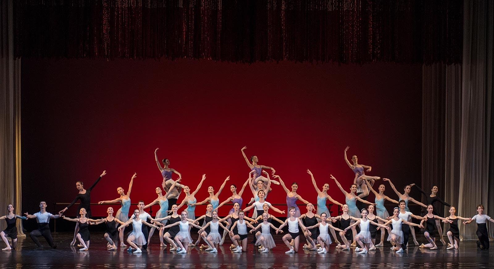 Пмирный прошел отборочный тур открытого городского фестиваля - конкурса хореографического искусства танцующая
