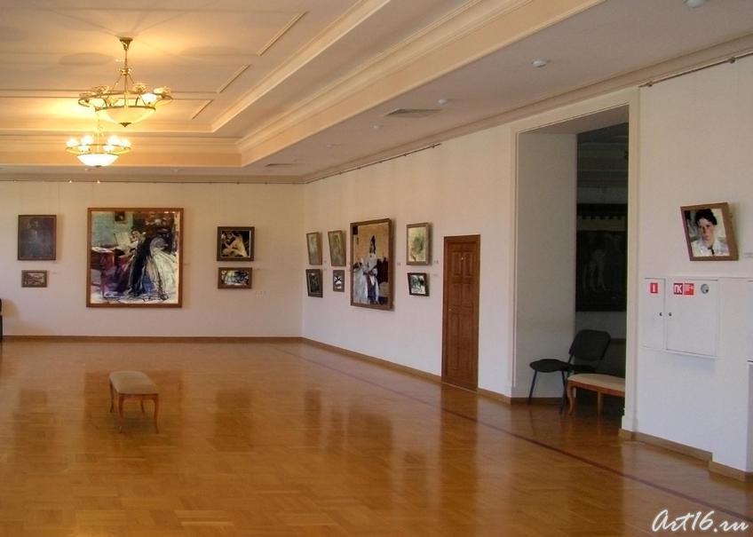 Выставочный зал (3-ий этаж).  Фешин Н.И.::Казанская художественная школа