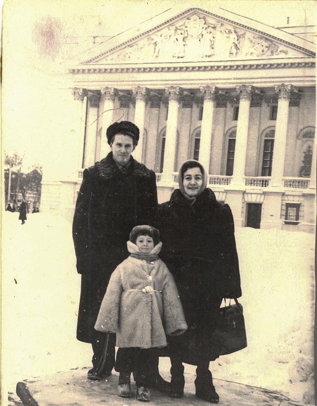 Фото №146676. С женой и дочкой