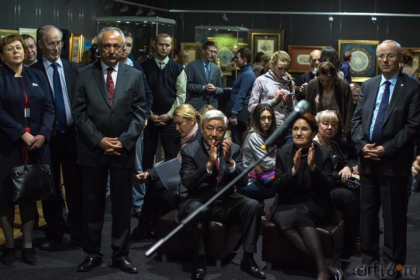 Фото №147671. Открытие выставки. Ф.Мухаметшин, М. Акшенер (в центре)