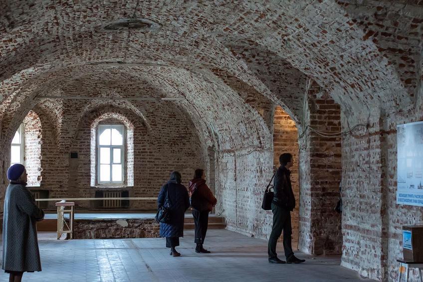 Фото №149354. В храме Сошествия Святого Духа еще идут реставрационные работы