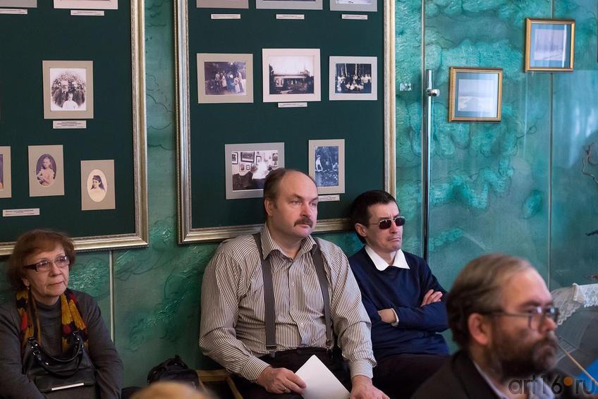 В. Гаранин ( в центре). На творческом вечере А. Абсалямовой::Творческая встреча с поэтессой Альбиной Абсалямовой