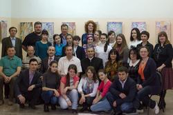 Общая фотография на открытии выставки Анвара Сайфутдинова в редакции газеты ''Шахри Казан''
