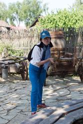Наиля Ахунова во дворе Портомойни