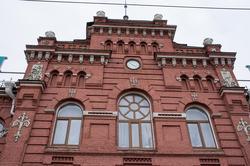 Фрагмент фасада вокзала в Казани 2012г.