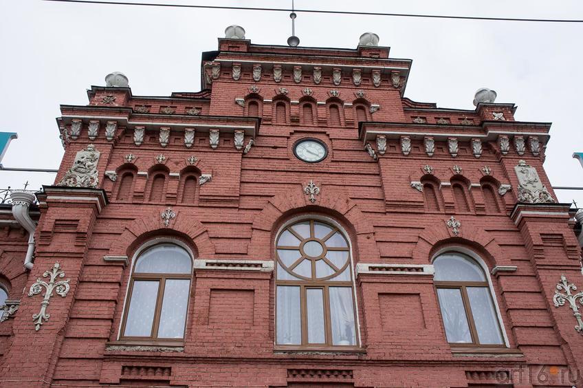 Фрагмент фасада вокзала в Казани 2012г.::Фото для статей