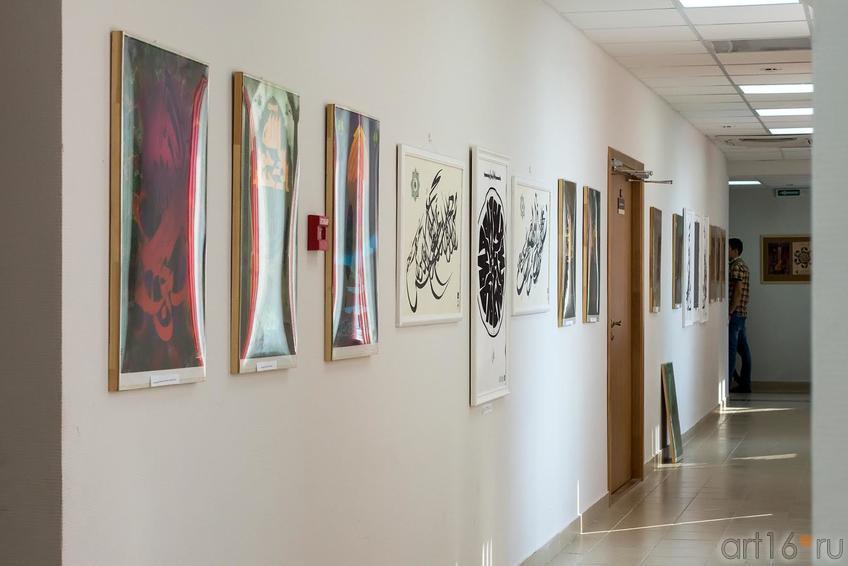 Фрагмент экспозиции выставки В.Попова ʺЕдинениеʺ::Владимир Попов. Выставка «Единение»