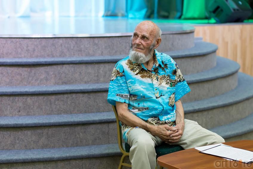 Попов Владимир Александрович::Владимир Попов. Выставка «Единение»