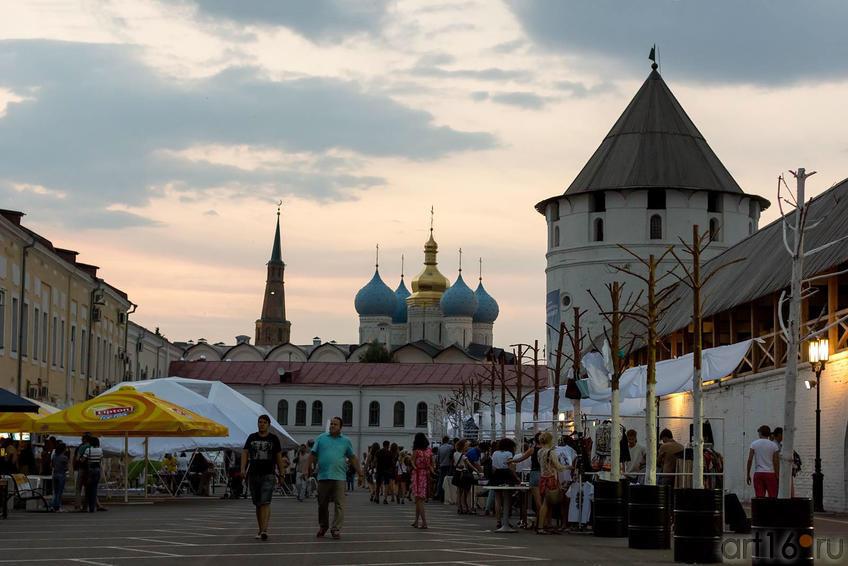 Sunday Up Market, день первый. 28.06.2013, Казанский кремль::V Фестиваль Современной Культуры Kremlin LIVE'13
