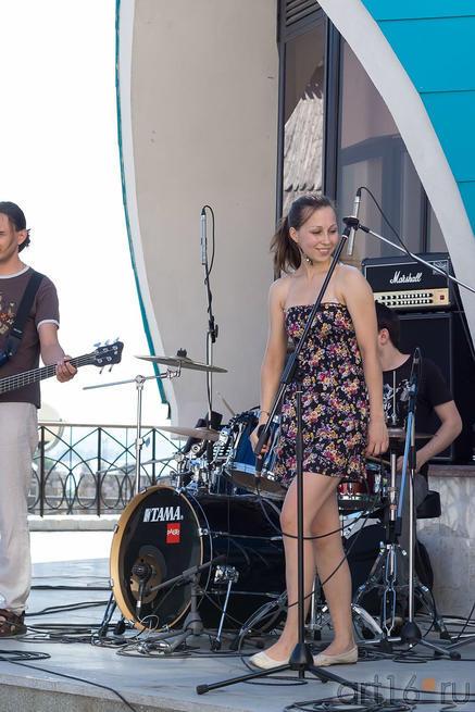 Концерт возле западного крыльца Выставочного зала «Манеж», 29.06.2013::V Фестиваль Современной Культуры Kremlin LIVE'13