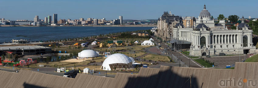Панорама Казани со стороны Архиерейского дома Казанского кремля. Фото в высоком разрешении::V Фестиваль Современной Культуры Kremlin LIVE'13