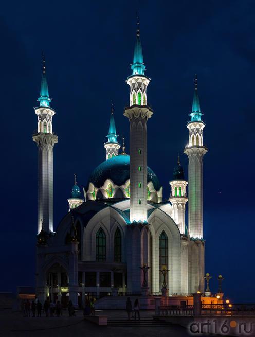 Мечеть «Кул Шариф». Ночной снимок. Фото в высоком разрешении::V Фестиваль Современной Культуры Kremlin LIVE'13