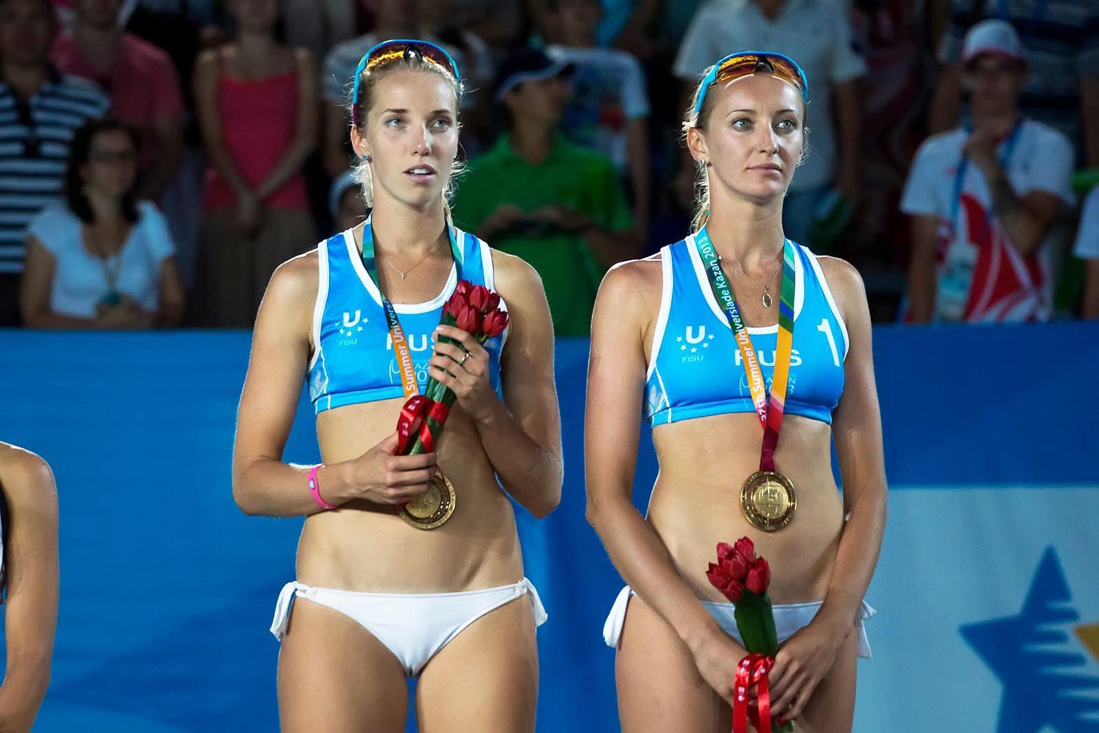 Фото девушки засветы пляжный волейбол #3