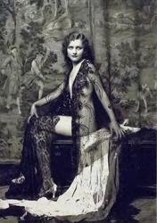 Актриса,участница популярных шоу Флоренза Зигфелда. Ч/б фото из коллекции Гершанова