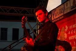 Антон Ревнюк — бас-гитара. Джаз в усадьбе Сандецкого. 8.07.2013