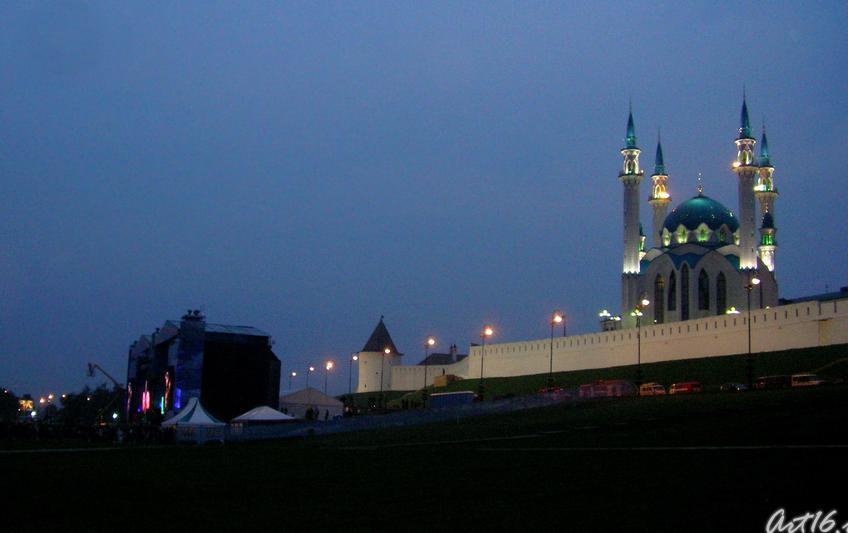 Смеркалось....::Рок-фестиваль у стен Казанского Кремля