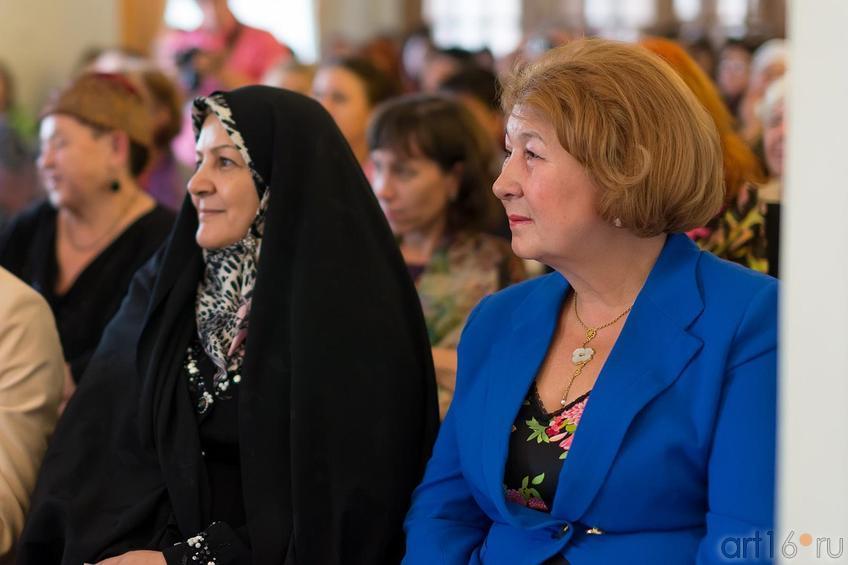 З.Валеева::Выставка «Неделя дружбы женщин Ирана и Татарстана»