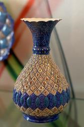 Декоративная ваза с орнаментом
