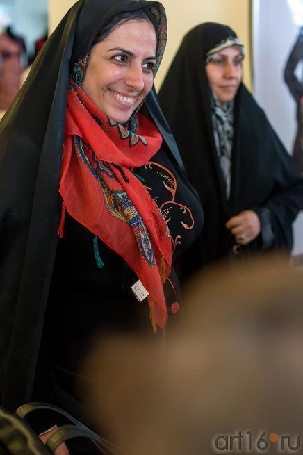 Фахима  Кареми (?), Саине Бешарат (дизайнеры одежды)::Выставка «Неделя дружбы женщин Ирана и Татарстана»