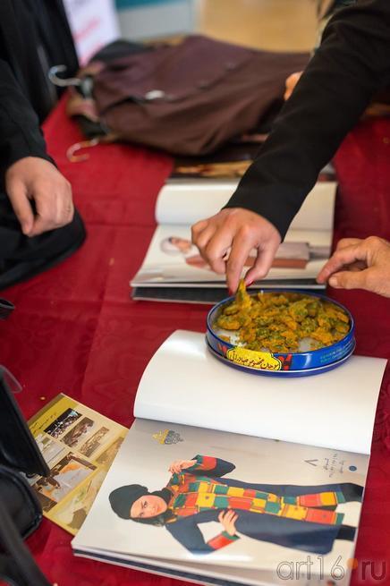 Иранское лакомство::Выставка «Неделя дружбы женщин Ирана и Татарстана»