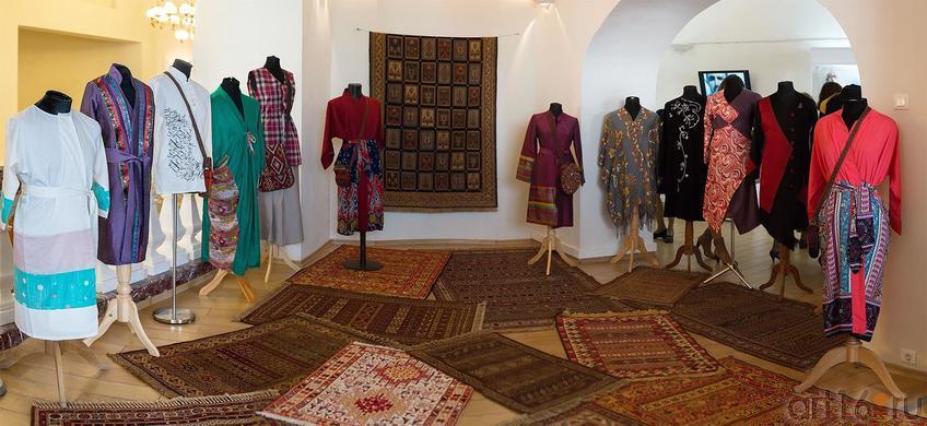 Коллекция иранской одежды::Выставка «Неделя дружбы женщин Ирана и Татарстана»