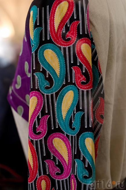 Фрагмент одежды (Иран)::Выставка «Неделя дружбы женщин Ирана и Татарстана»