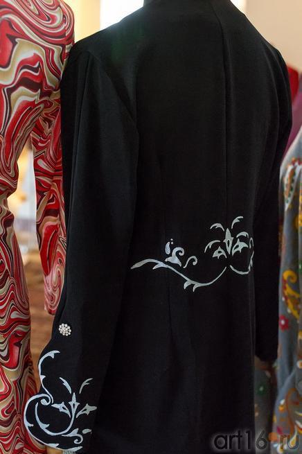 Одежда (Иран)::Выставка «Неделя дружбы женщин Ирана и Татарстана»