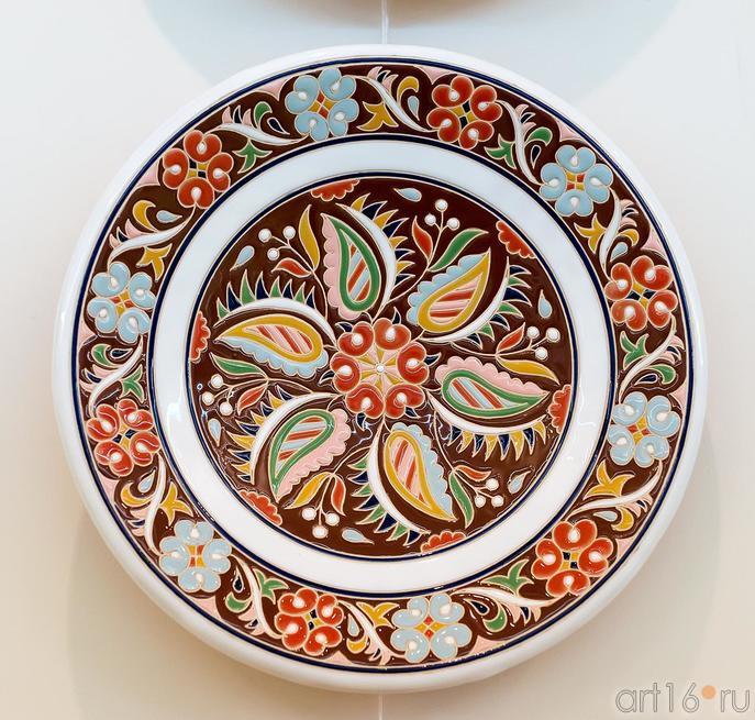 Скибин Р.В.1976.  Керамическое блюдо::Выставка «Искусство крымских татар»