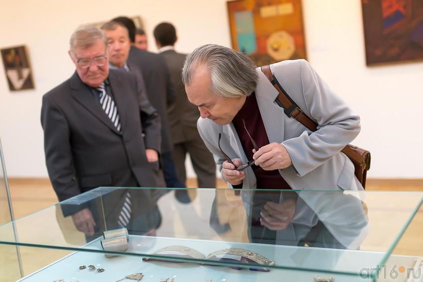 Н.Наккаш::Выставка «Искусство крымских татар»