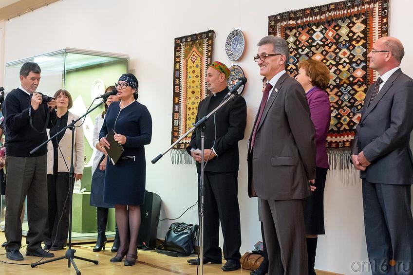Фото №179143. Розалия Нургалеева (первый микрофон), Наиль Валеев (второй микрофон)