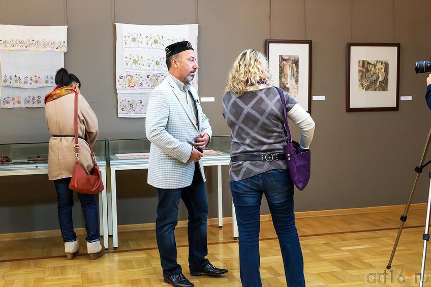 Низами Ибраимов::Выставка «Искусство крымских татар»