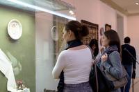 На открытии выставки «Искусство крымских татар»