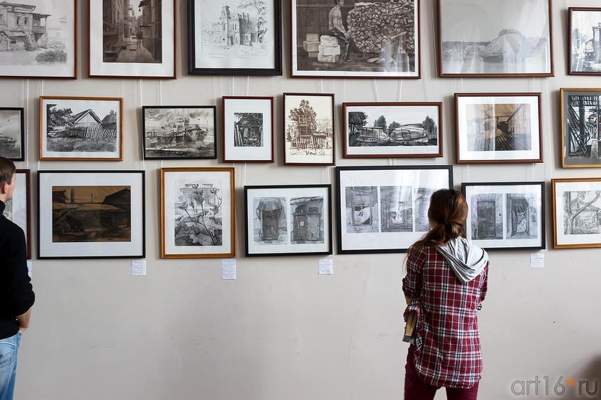 Фото №179856. Фрагмент экспозиции выставки работ летней практики студентов филиала МГАХИ им. Сурикова