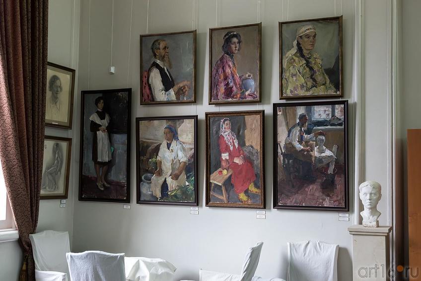 Фото №179922. Работы выпускников КХУ разных лет