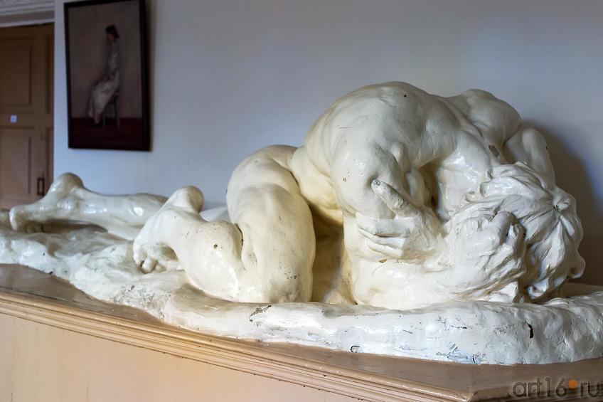 Фото №179952. Павший титан, скульптор В.П.Дзюбанов, 1904 год