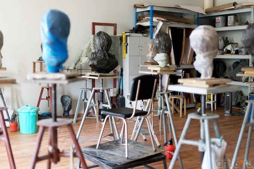 Скульптурная мастерская::Экскурсия по МГАХИ им. Сурикова