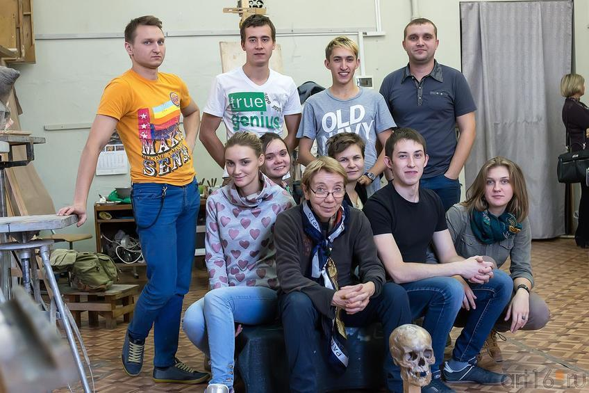 Фото №179988. Асия Минулина со своими студентами