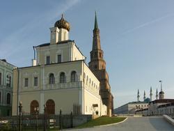 Дворцовая (Введенская) церковь и башня Сююмбике