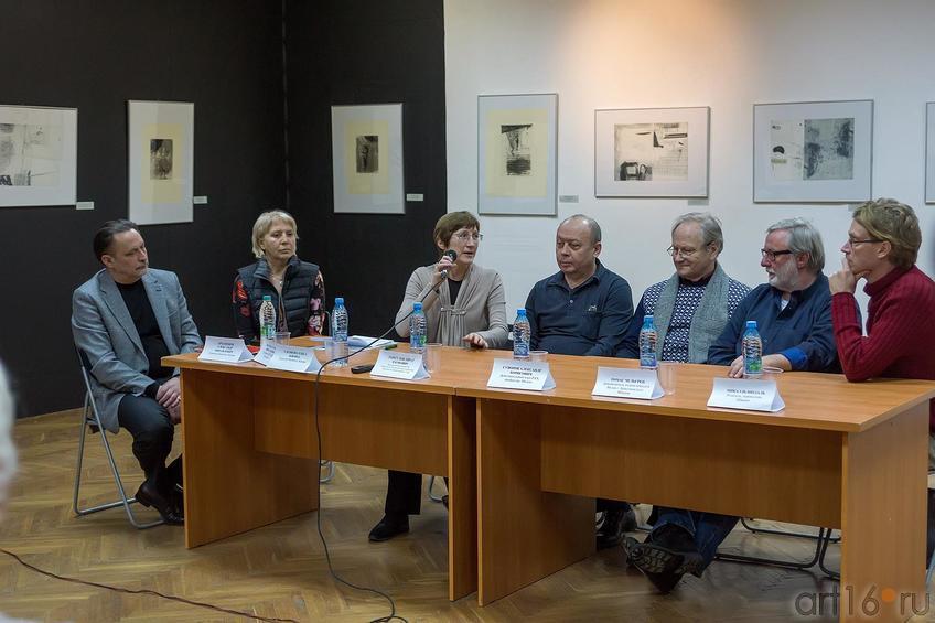 Фото №204079. Пресс-конференция перед орткрытием ''№2-ой Международной биеннале печатной графики''