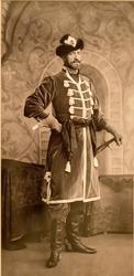 С. Левицкий Его Императорское Высочество Великий Князь Николай Николаевич в костюме начальных людей «копейщиков»