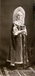 Ф. Г. Буассона и Эгглер Супруга Министра Императорского Двора Баронесса Ядвига Алоизиевна Фредерикс в костюме боярыни XVII века.