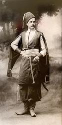 А. Ренц и Ф. Шрадер Лейб-Гвардии Конно-Гренадерского полка Штаб-Ротмистр Николаев в костюме есаула Сумского слободского казачьег