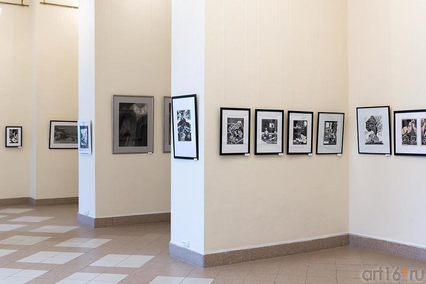 Фото №209385. Фрагмент экпозиции выставки ''Молодая графика''